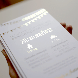 Auksu filijuotas vestuvinis kvietimas