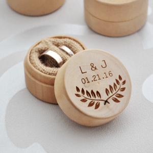 lazeriu graviruota žiedų dėžutė