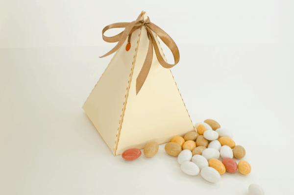 Trikampė dėžutė