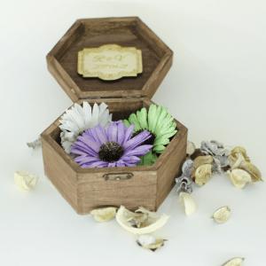 šešiakampė dekoruota dėžutė